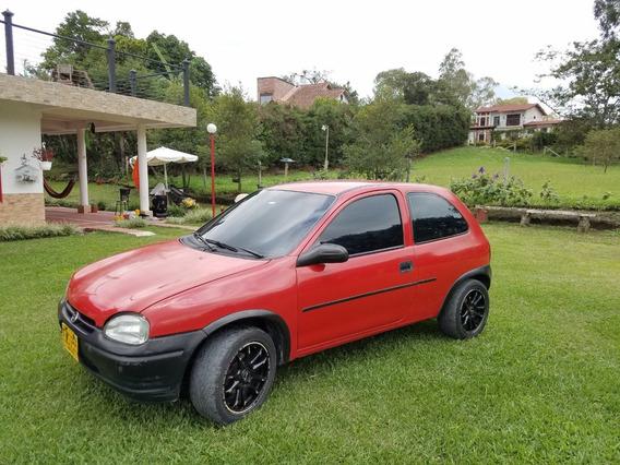 Corsa L (1.4). Modelo 2000. Perfecto Estado