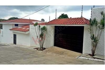 Residencia En Venta En Fraccionamiento Privado Colinas Del Sur