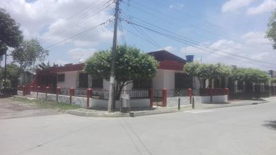 Casa Esquinera En La Granja $ 1.000.000