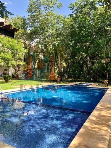Departamento Amueblado En Venta Club De Playa, Playa Del Carmen