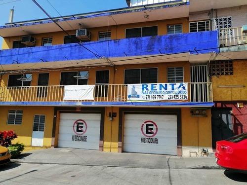Oficinas Y Consultorios En Centro De Cordoba, Ver. $7,000.=
