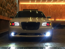 Único Chrysler 300 Srt8