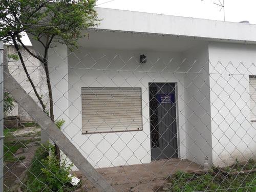 Venta Casa Paso Del Rey Centro A Metros Plaza Bujan