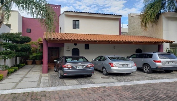 Casa En Renta En Fracc. El Bosque, Col. Bugambilias En Tlajomulco, Jalisco.