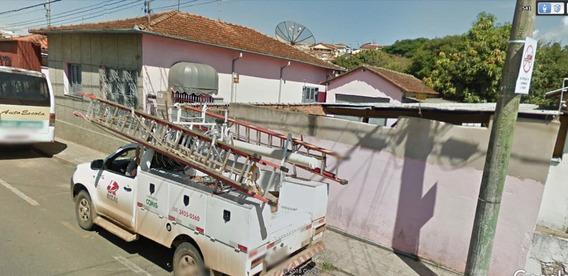 Casa E Estacionamento - Centro - Andradas Mg