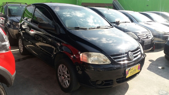 Volkswagen Fox 1.0 Plus Total Flex 3p 2005