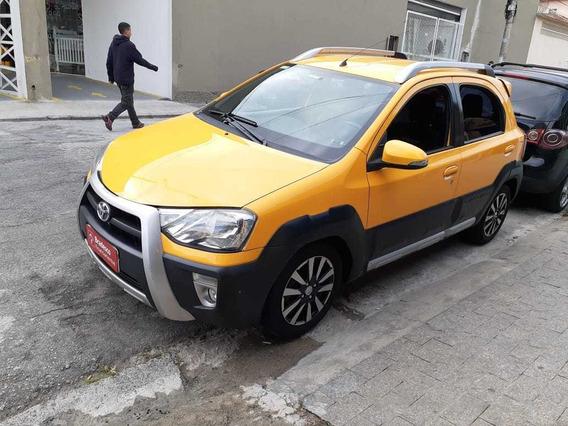 Etios Cross, 2014 Amarelo $33.990,00 Abaixo Da Tabela