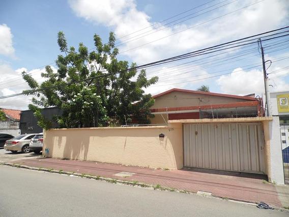 Casa Comercial 3 Salas, 4 Quartos, 8 Vagas, Quintal