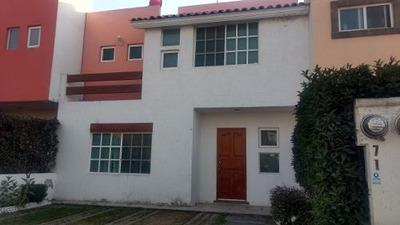 Casa En Renta Dentro De Prestigioso Fraccionamiento.