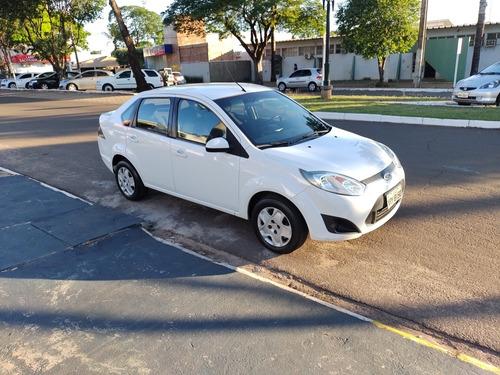 Imagem 1 de 4 de Ford Fiesta Sedan 2013 1.6 16v Se Flex 4p