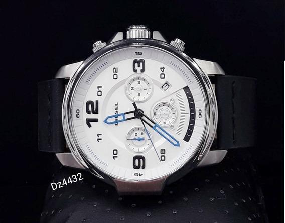 Relógio Diesel Dz4432 Prata Aço Inox Couro 51mm - Mega Chief