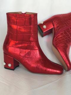 Botas De Cuero Color Rojo Eléctrico