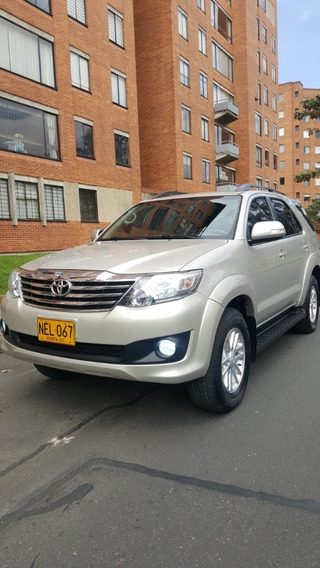Toyota Fortuner 4x4 Mt Full 2.700