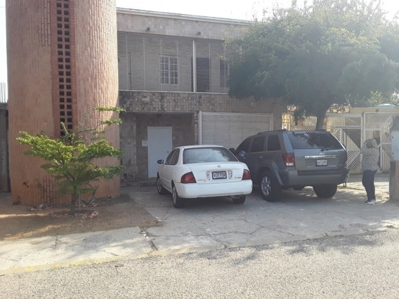 Casa Alquiler Urbanización La Trinidad Maracaibo Api 5043 Mm
