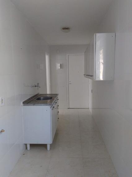 Apartamento 2 Quartos - Vaga De Garagem - Cond. Da Marinha