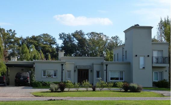 Casa En Venta, Barrio Santa Irene, Comarcas De Luján.
