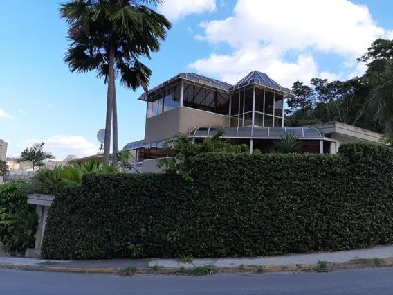Venta De Hermosa Casa En Caracas Santa Fe Norte Rz