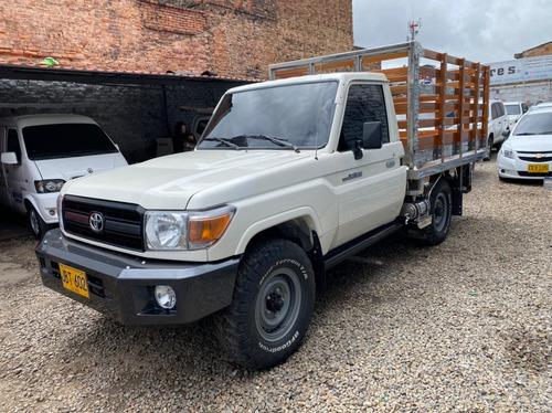 Toyota Land Cruiser Estacas