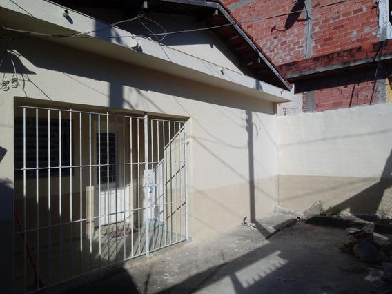 Casa 3 Quartos E 2 Banheiros