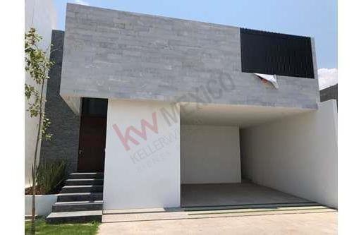 Casa En Vena Cerradas Del Pedregal, Excelente Ubicacion Y Ubicado En Una De Las Mejores Zonas En Desarrollo
