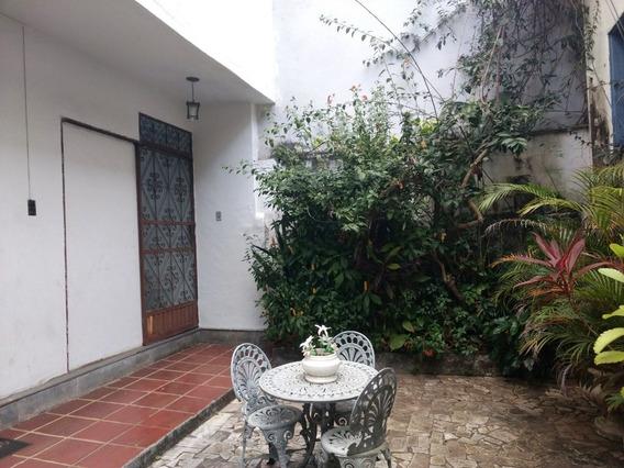 Apartamento Com 4 Quartos Para Alugar No Centro Em Ponte Nova/mg - 4396