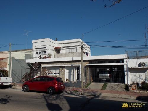 Espectacular Casa En Zona Plaza Bella Vista - Pdu