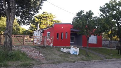 Casa De 4 Ambientes Baño Y Cochera
