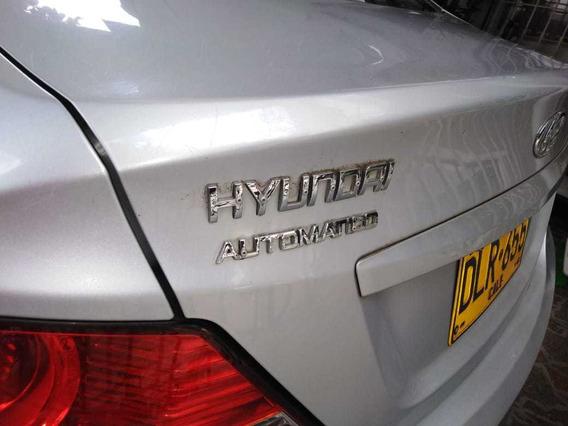 El Hyundai Es Color Plata 5 Puerta