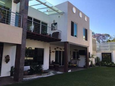 Bonita Casa En Venta En Fraccionamiento Exclusivo Cerca De Av. San Diego