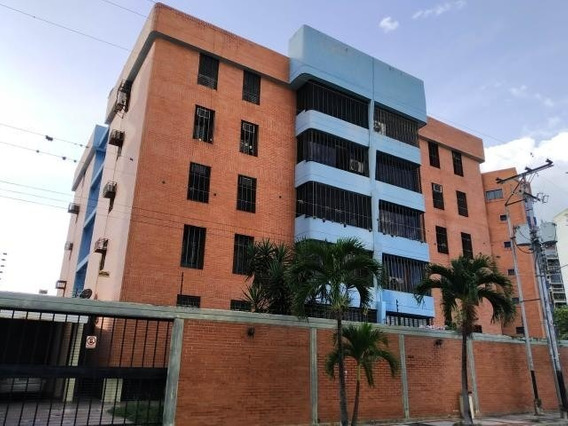 Apartamento En Venta Urb San Jacinto Maracay Zp20-486