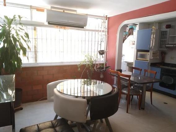 Rent A House Vende Apartamento En Av Fzas Aereas Cod.20-1240