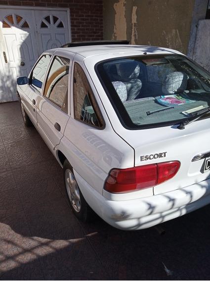 Ford Escort 1999 1.8 Ghia I