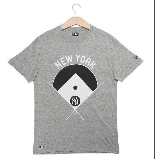 Camiseta New Era Blocked Player New York Yankees Cinza Masc