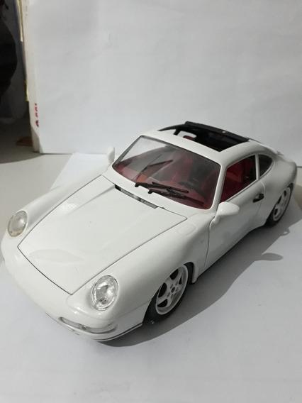 Porsche Carrera 911 (1993) Escala 1/18 Bburago
