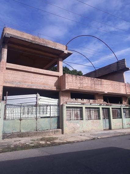 Local Comercial En Los Caobos - Valencia