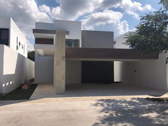 Exclusiva Residencia En Venta En Privada Arborea. Zona Norte En Mérida Yucatán
