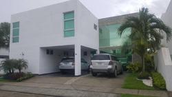 Se Vende Casa Costa Esmeralda Costa Sur 305 Mts2 3 Ptos. Ap1