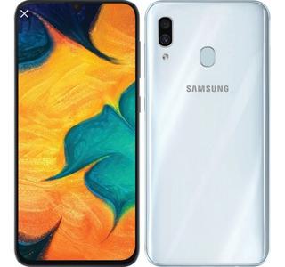 Celular Samsung A30, Solo Un Mes De Uso. Con Dos Fundas