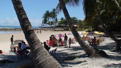 Terreno De Praia Com 2 Apartamentos E 3 Casas