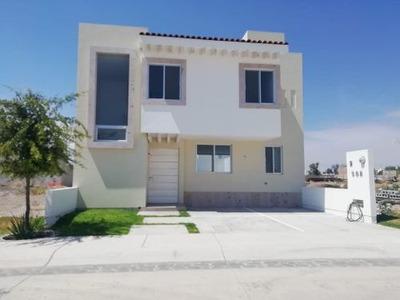 Casa En Venta, Nueva En Fracc Loretta, Estrenala