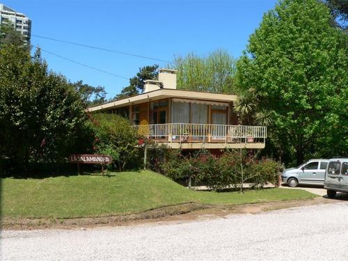 Casa En Mansa, 4 Dormitorios *- Ref: 4229