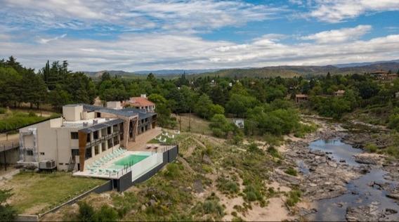Apart Hotel A La Orilla Del Río Y A 10