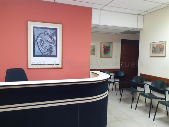 Venta De Consultorio Medico En Av. Santa Rita / Mls #20-8920