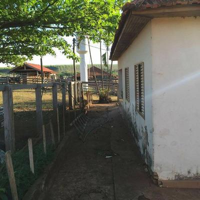 Em Buriti Alegre