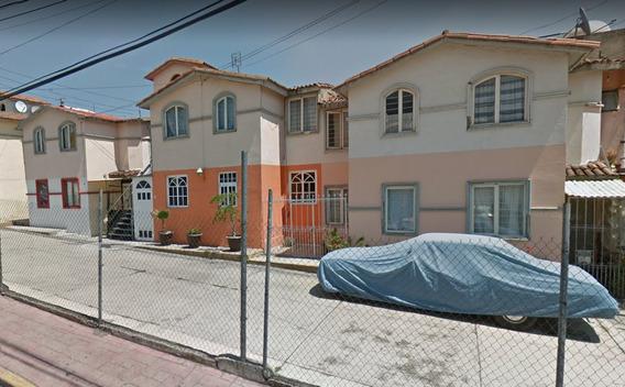Casa En Remate Bancario Carlos Hank Gonzalez El Laurel