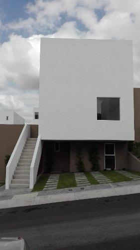 Casa Duplex En Venta Al Sur De La Ciudad De Querétaro