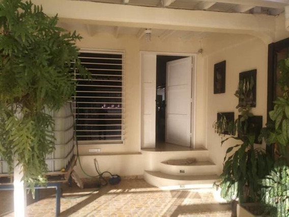 Casa En Venta El Paraiso Cabudare 20-10060 Jcg