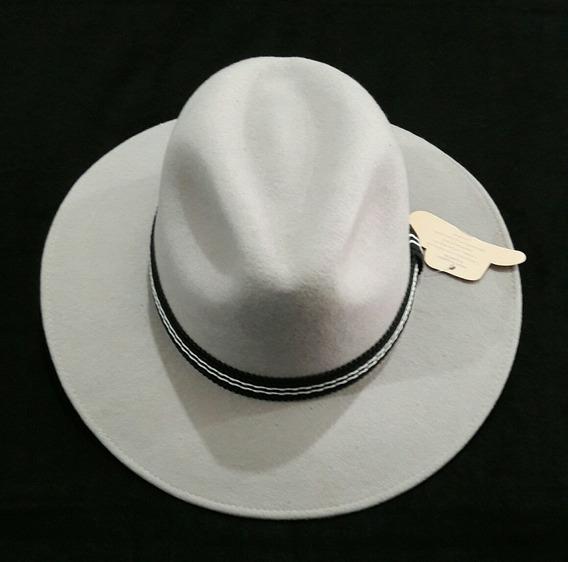 Sombreros En Paño Ala Corta