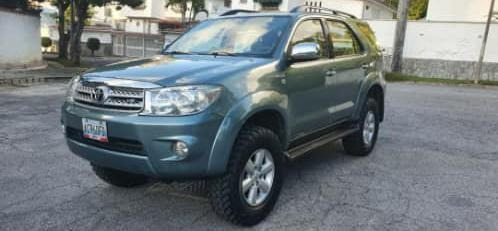 Toyota Fortunner 2012 4x4