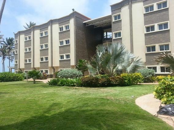 Inversiones Abrahan Moreno Vende Hotel Tucacas Frente Al Mar